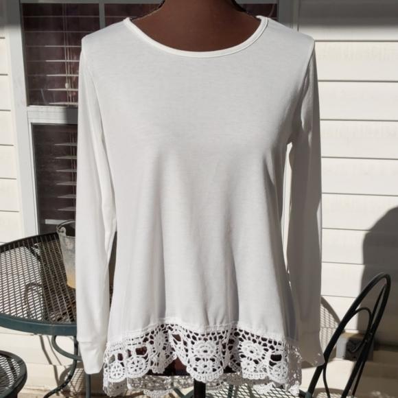 Tops - White Cotton Poly Mix Long Sleeve Lace Hi-Lo Hem T